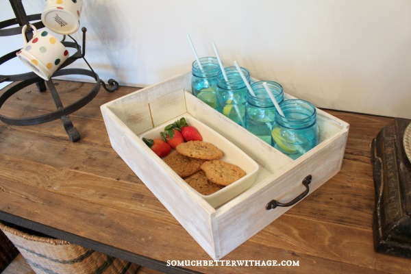 rustic serving tray somuchbetterwithage.com