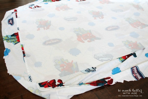 Sew tablecloths / Superhero birthday party somuchbetterwithage.com