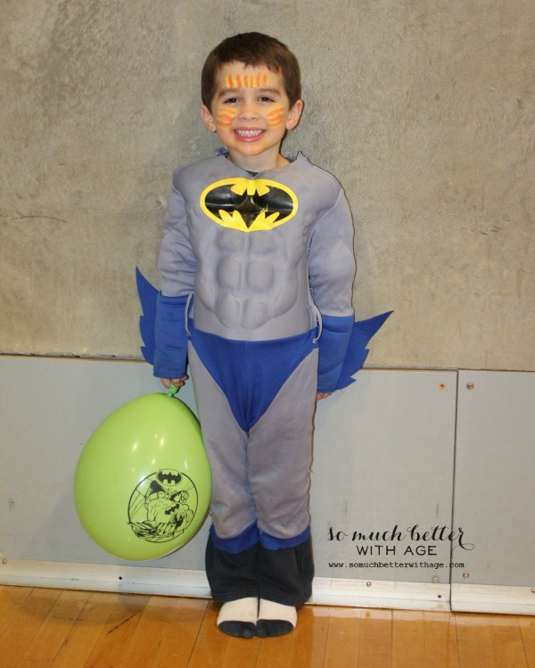 Batboy / Superhero birthday party somuchbetterwithage.com