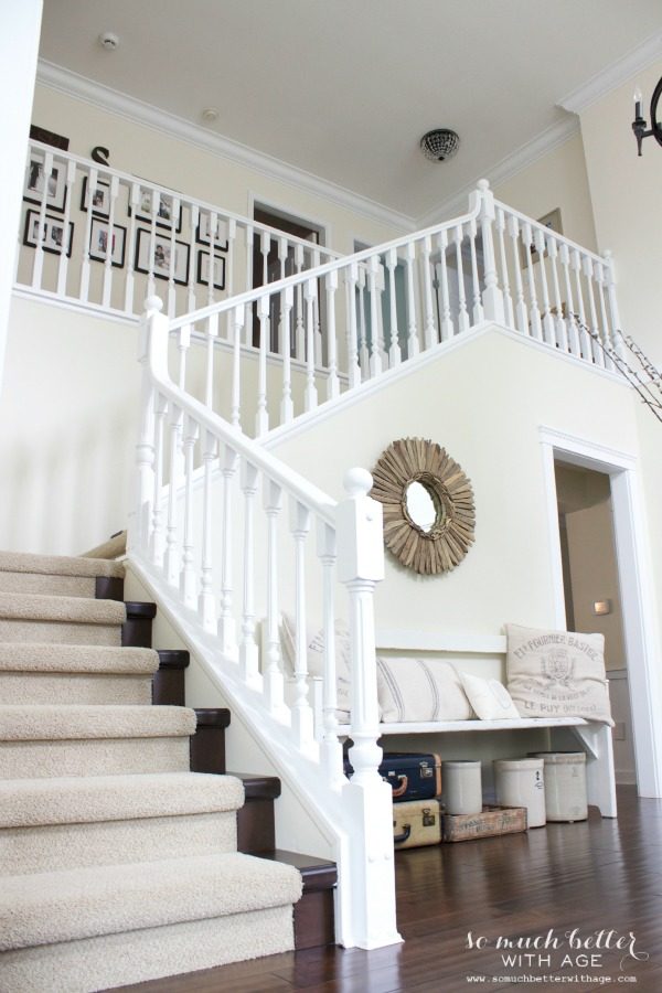 Neutral foyer via somuchbetterwithage.com