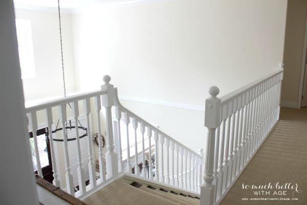 Neutral foyer via somuchbetterwithage.com