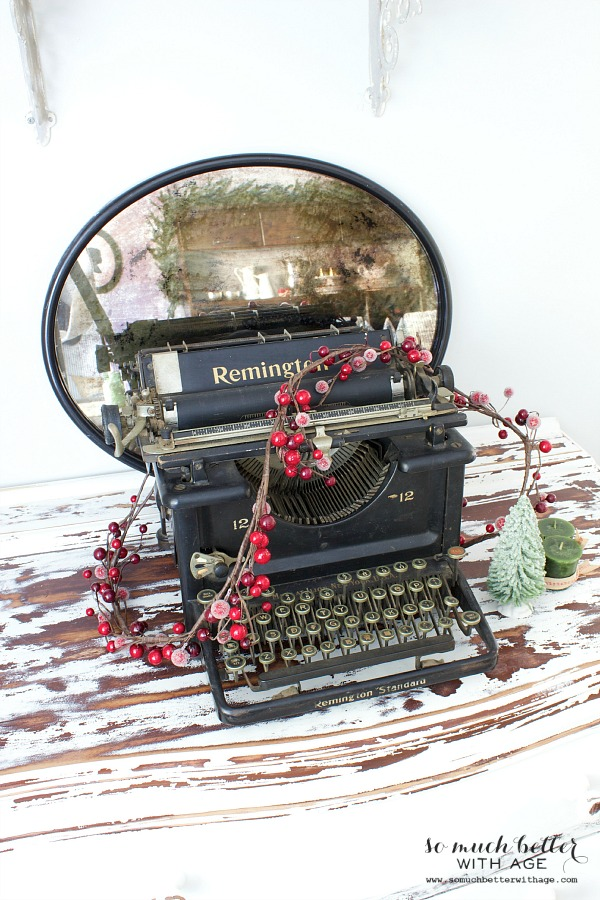 Old typewriter - Holiday Housewalk by somuchbetterwithage.com