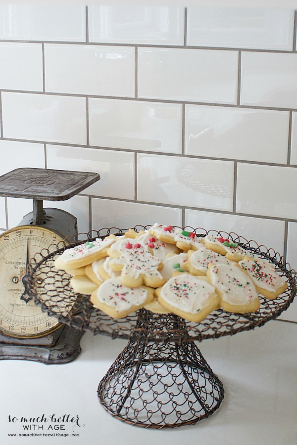 Best sugar cookies   somuchbetterwithage.com