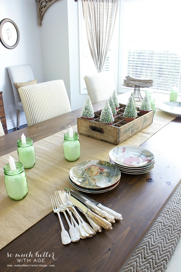 Tablescape dining room Holiday Housewalk by somuchbetterwithage.com