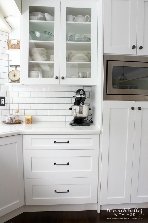 subway-tile-white-kitchen
