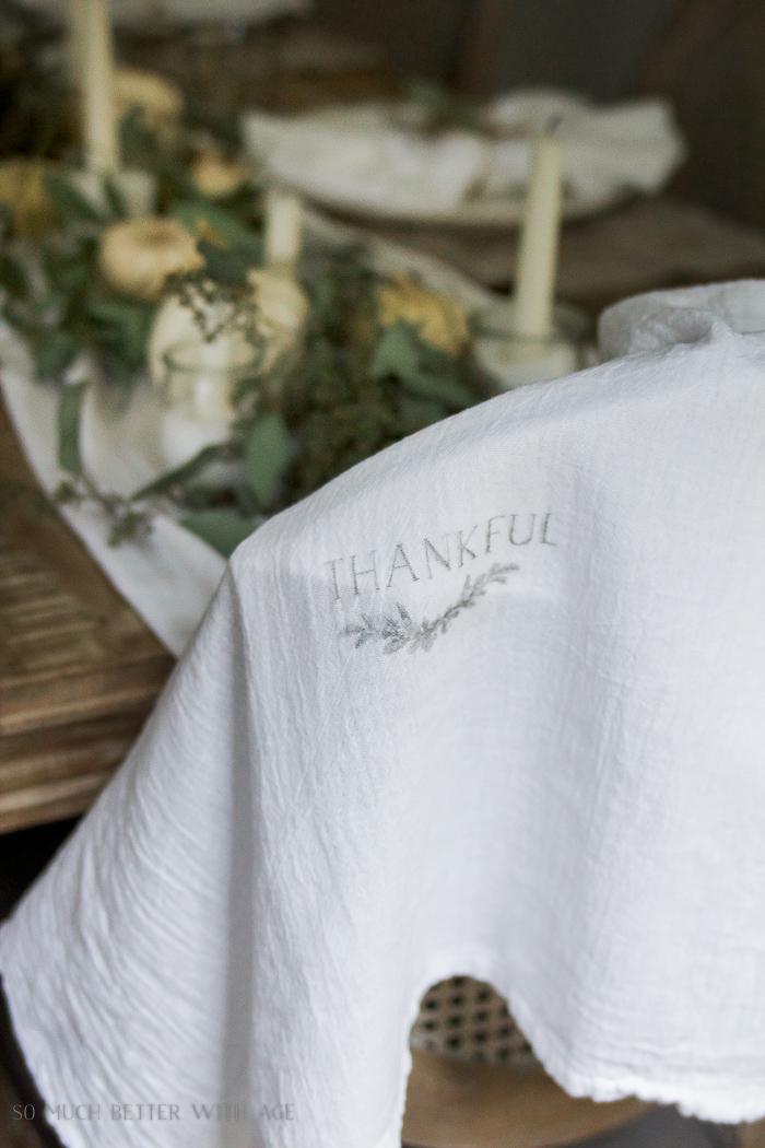 fall table setting - Thanksgiving napkin transfer tutorial