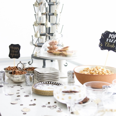 A New Year's Eve Party Bubbly Bar + Party Tips